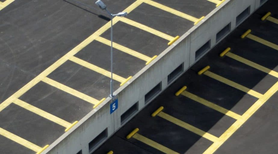 car park line markings yellow